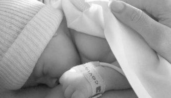 accouchement naturel naissance bebe grossesse maman